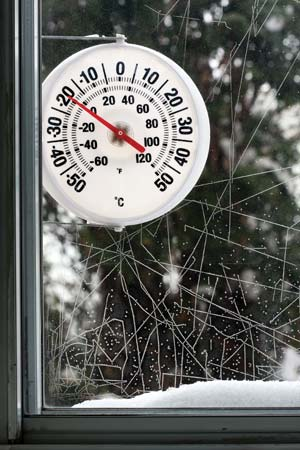Thermometer showing minus 20 degrees celcius