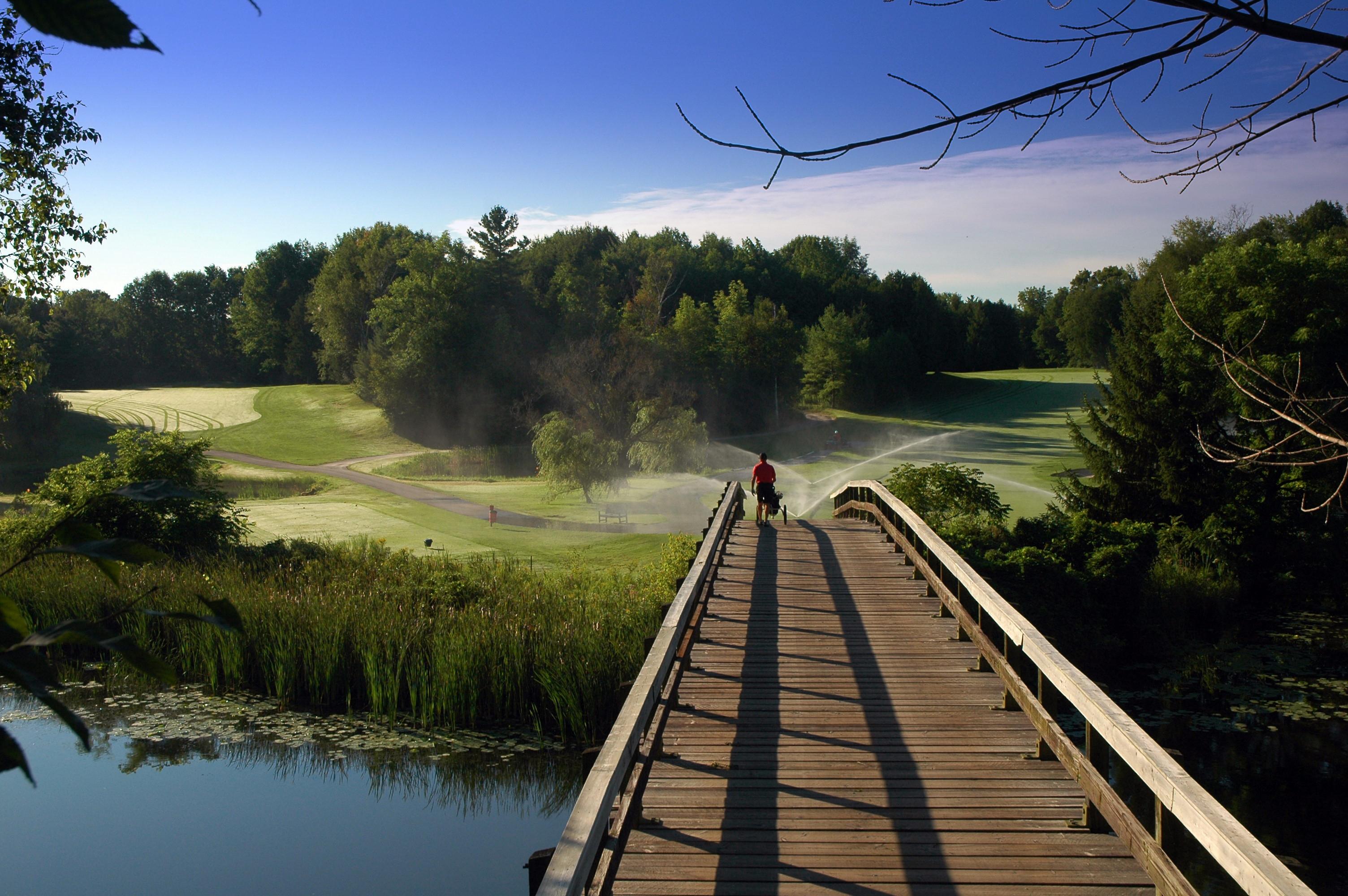 where to golf in Georgina
